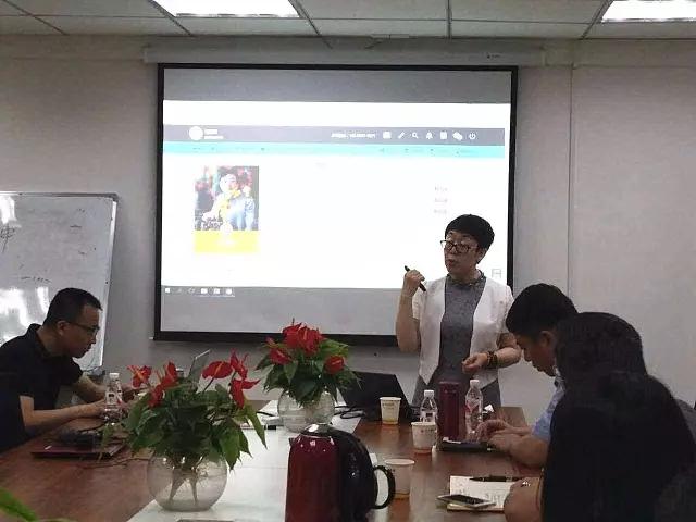 学大教育集团AVP朱晋丽女士一行莅临广西分公司指导工作