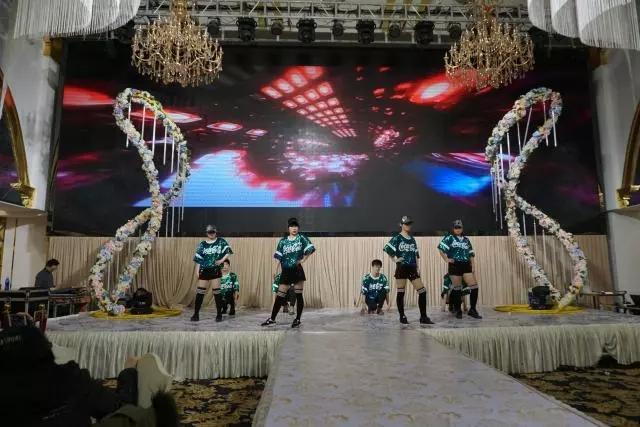 百步亭校区舞蹈 《C哩C哩》