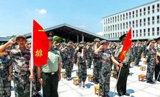 【上海华东师大3附中】2018年新高一开学军训活动