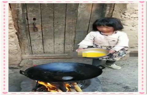 ★小学生每天放学回家给奶奶做饭是怎么回事