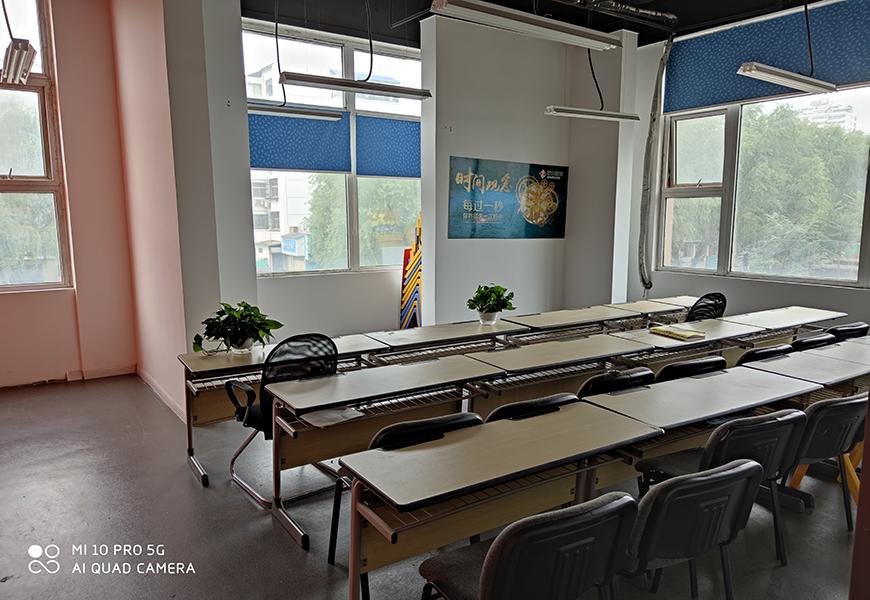 一中学习中心-学习环境