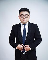 六安初中语文教师张伟