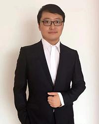 鞍山高中英语教师王冲